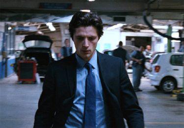 映画「黒いスーツを着た男」(字幕/吹き替え)の動画をフルで無料視聴する方法!